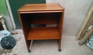Bonito mueble de madera