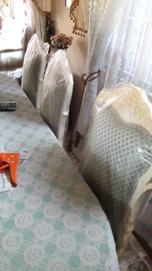 Comedor de madera de 8 sillas tapizadas con vitrina y