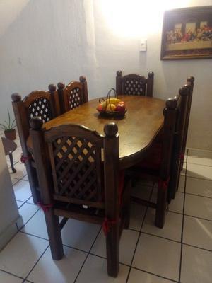 Comedor de madera con 6 sillas