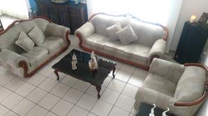 se vende sala con tres sillones, buenas condiciones