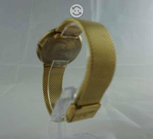 El clasico reloj chapado en oro mido commander