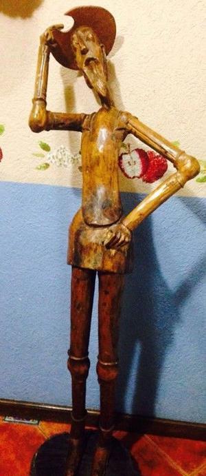 Quijote Tallado en Madera del Artista Manuel Bueno