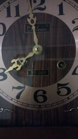 reloj de pared centurion