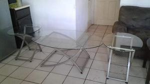 3 mesas 2 esquineras y 1 de centro de vidrio estan pegadas