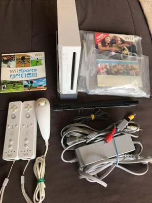 Nintendo Wii + 2 Controles Originales + Wii Sports