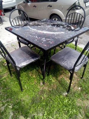 comedor 4 sillas metalico