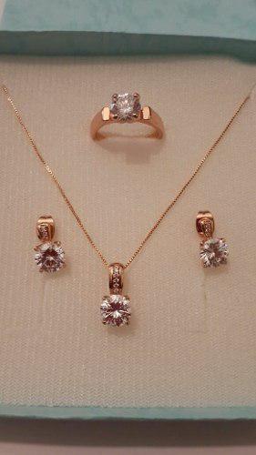 Set Anillo Oro Rosa 18k Con Collar Y Aretes Cristal Swarovsk