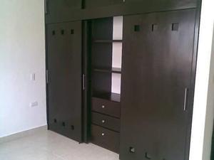 Closets y puertas CORONA