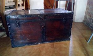 Cofre de madera () restaurado