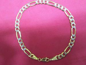 78631a3c80ad Pulso fígaro diamantado oro solido 10 kilates 4 mm y 21 cm.