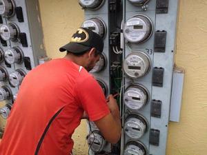 Reparación de luz 100 y 220 las 24 horas
