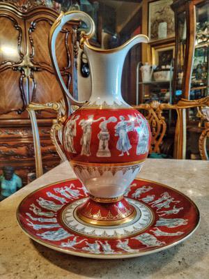 jarra con Platón fabricada en porcelana alemana marca