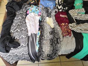 Lote de ropa y zapatos seminuevos