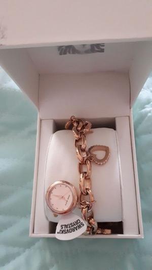 Reloj pulsera Anne Klein original con piedras swarowsky
