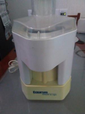 Extractor de jugos marca Taurus usado en muy buenas