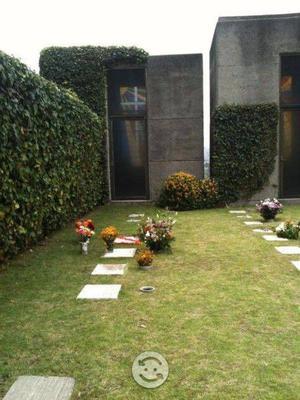 Vendo en cementerio de las lomas una bóveda con 3 gavetas,