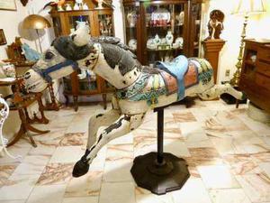 Caballito De Carrusel Antiguo Labrado En Madera Ca. 1900