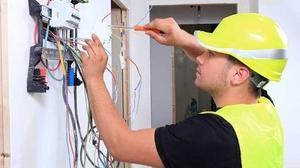 Fontanero Electricista y carpintero Servicio las 24 horas