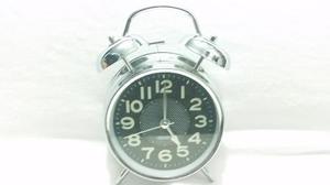 Reloj Despertador Metal Plata Estilo Retro Antiguo