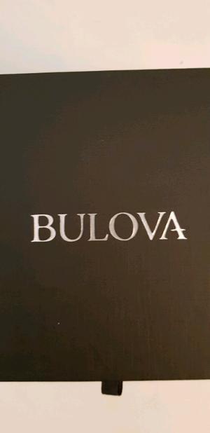 Reloj Bulova automatico con correas de piel, ofrezca!