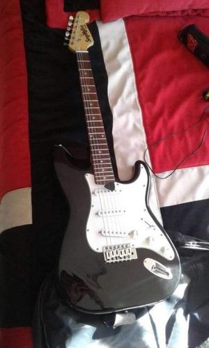 Vendo guitarra de oportunidad marca smithfire incluye un