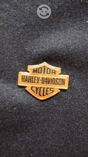 Motor harley davison cycles pin