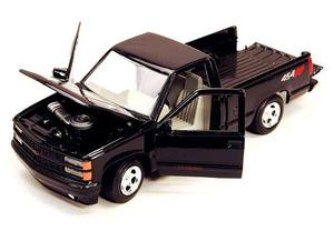 Chevrolet  Pick Up Ss454 Negra Escala 1:24 Motor Max
