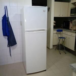 Refrigerador LG 9 pies, excelentes condiciones