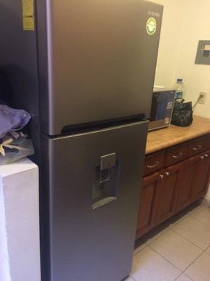 Refrigerador daewoo 11 pies con dispensador de agua
