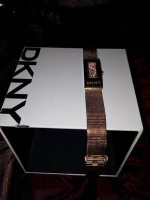 Reloj oro rosado Marca: DKNY Original con su respectivo