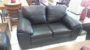 Elegante LOVE SEAT Color Chocolate MODELO