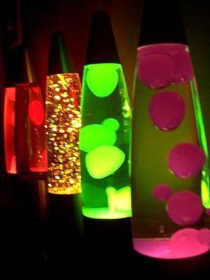 Lampara De Lava O Glitter 42 Cm Base Aluminio Negra Gaussini