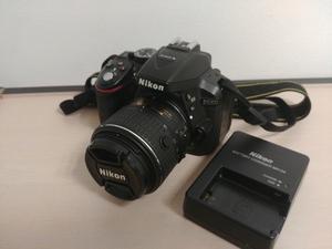 Nikon D con lente  y