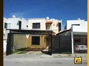 Renta Casa de 2 Piso con Hab. en Planta Baja muy cerca de