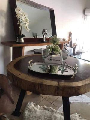 Mesa de madera de parota