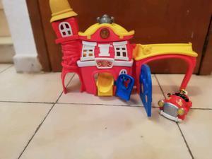 Estación de bomberos de juguete de Mickey mouse y sus