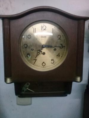 Reloj de pared alemán de cuerda