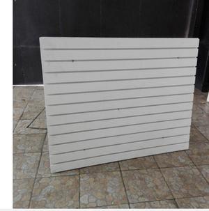 2 paneles ranurados con 50 ganchos de 25 cm cada uno!