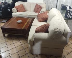 Sala dos piezas y mesa de centro