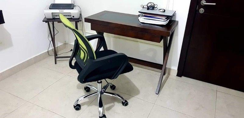 Escritorio con silla