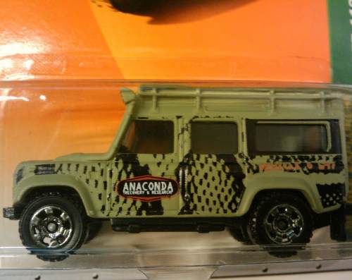 Matchbox Land Rover Defender 110 Anaconda