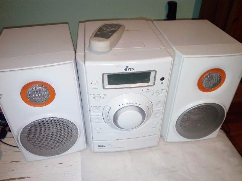 Minicomponente básico CD, MP3, AM/FM, USB, SD