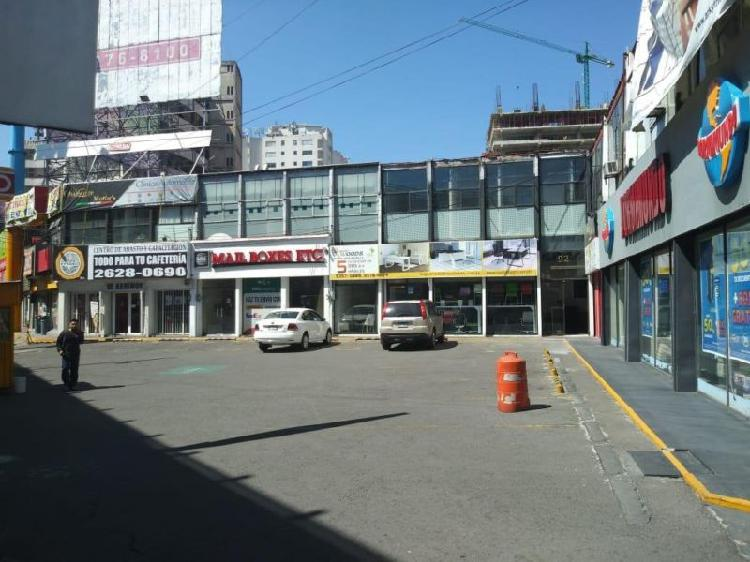 Renta de Local con 180m² en pie de Periferico Naucalpan