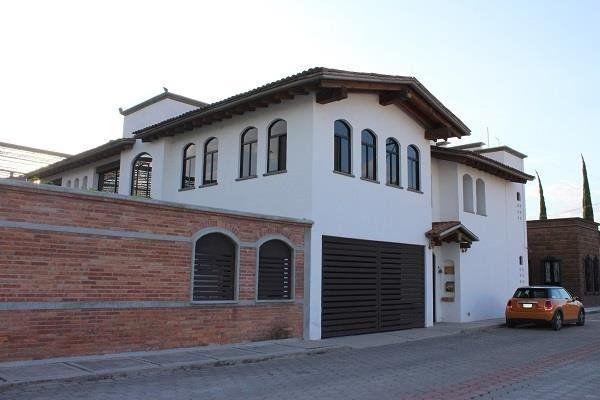 Casa 4 recámaras en Renta en Corregidora, Qro.