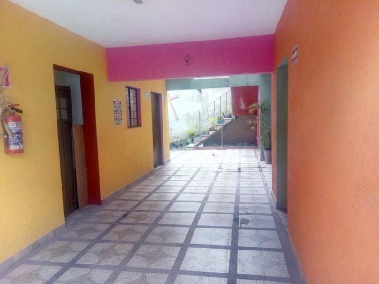 Casa en Venta en esquina, con uso comercial pb, La Turba,