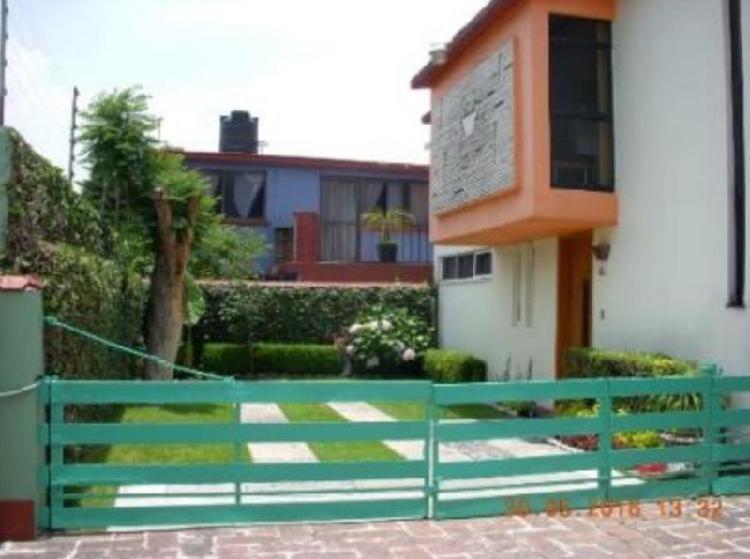 Casa en venta con 3 recamaras en jardines de San Mateo