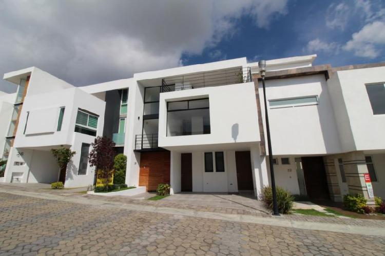 Casa en venta en Lomas de Angelópolis Cascatta