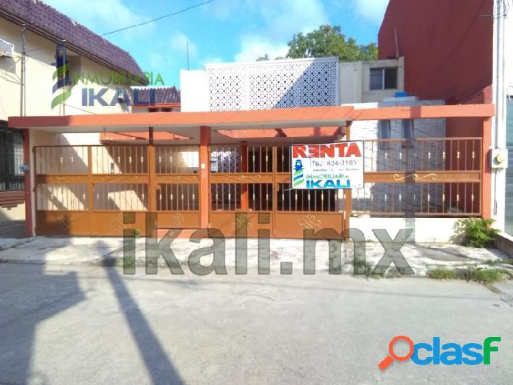 Casa para rentar en Tuxpan Veracruz, 3 rec. en col Jardines,