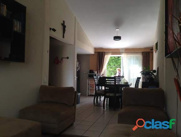 Casa sola en un nivel con amplio jardín, T 325 M2