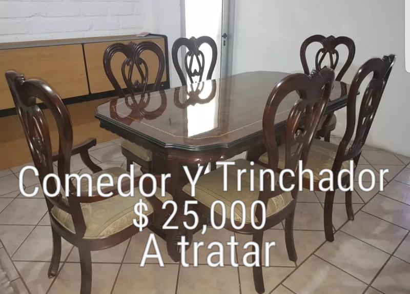 Comedor y trinchador de caoba con 6 sillas